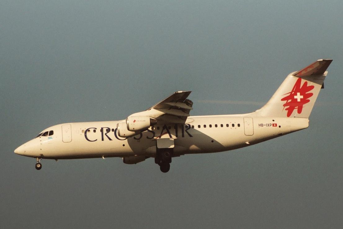 zrh_hb-ixp_crossair_avro100.jpg