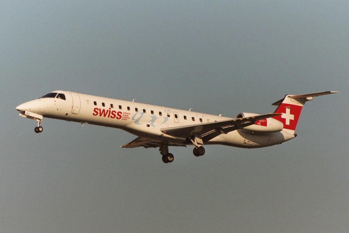 zrh_hb-jay_swiss_embraer145.jpg